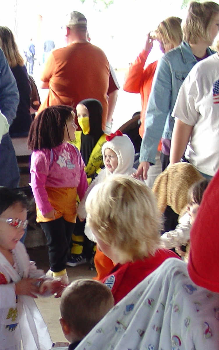 trick or treat parade from 2004 03