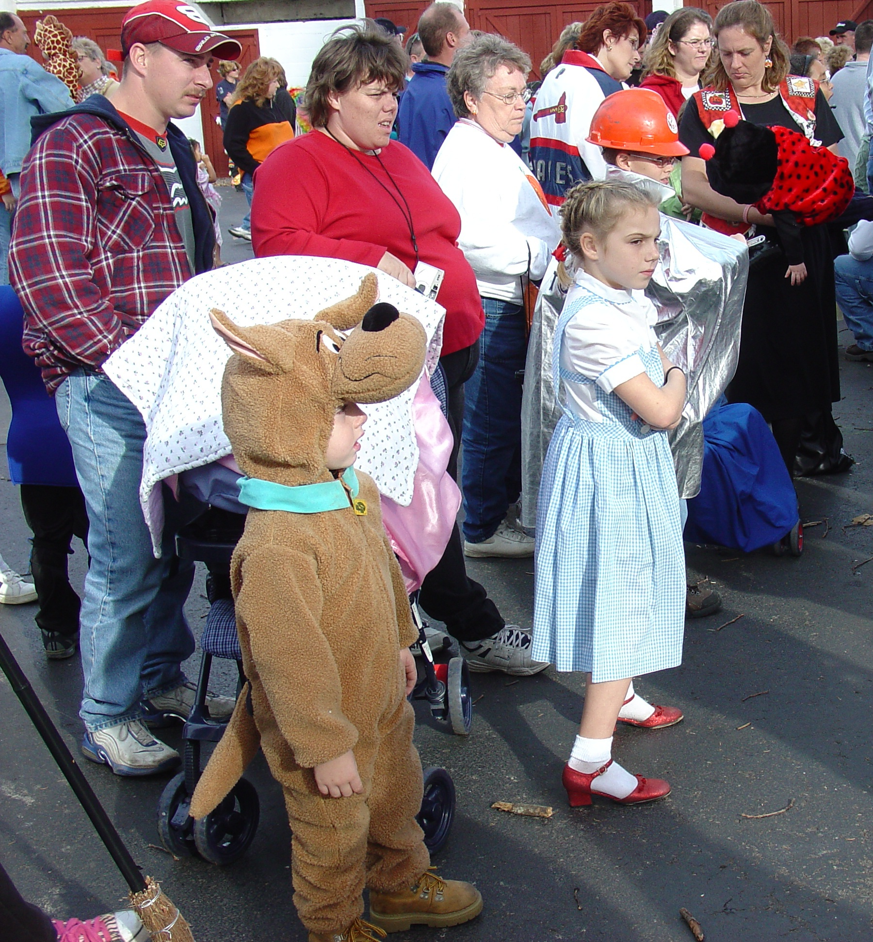 trick or treat parade from 2004 05