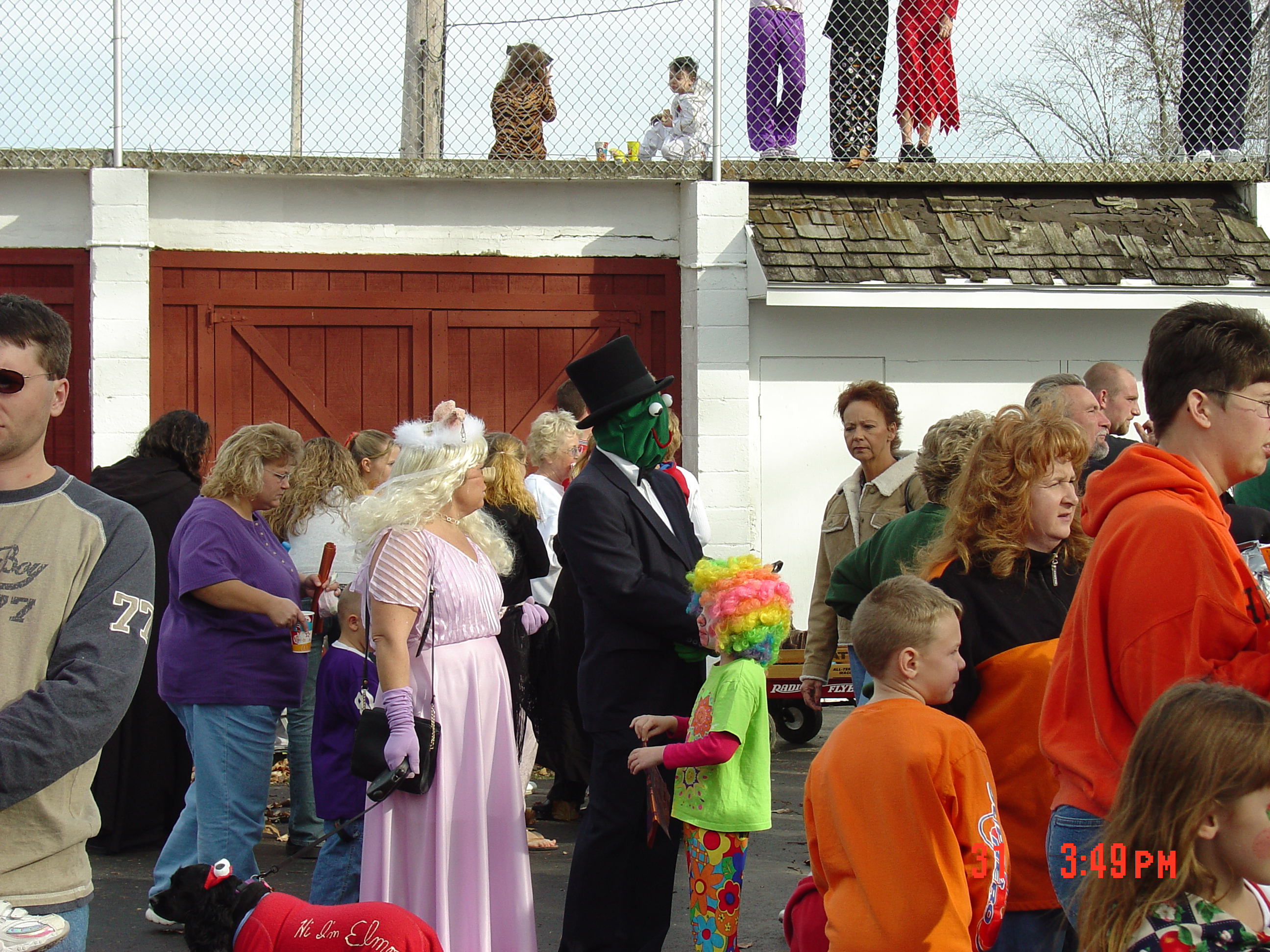 trick or treat parade from 2004 08
