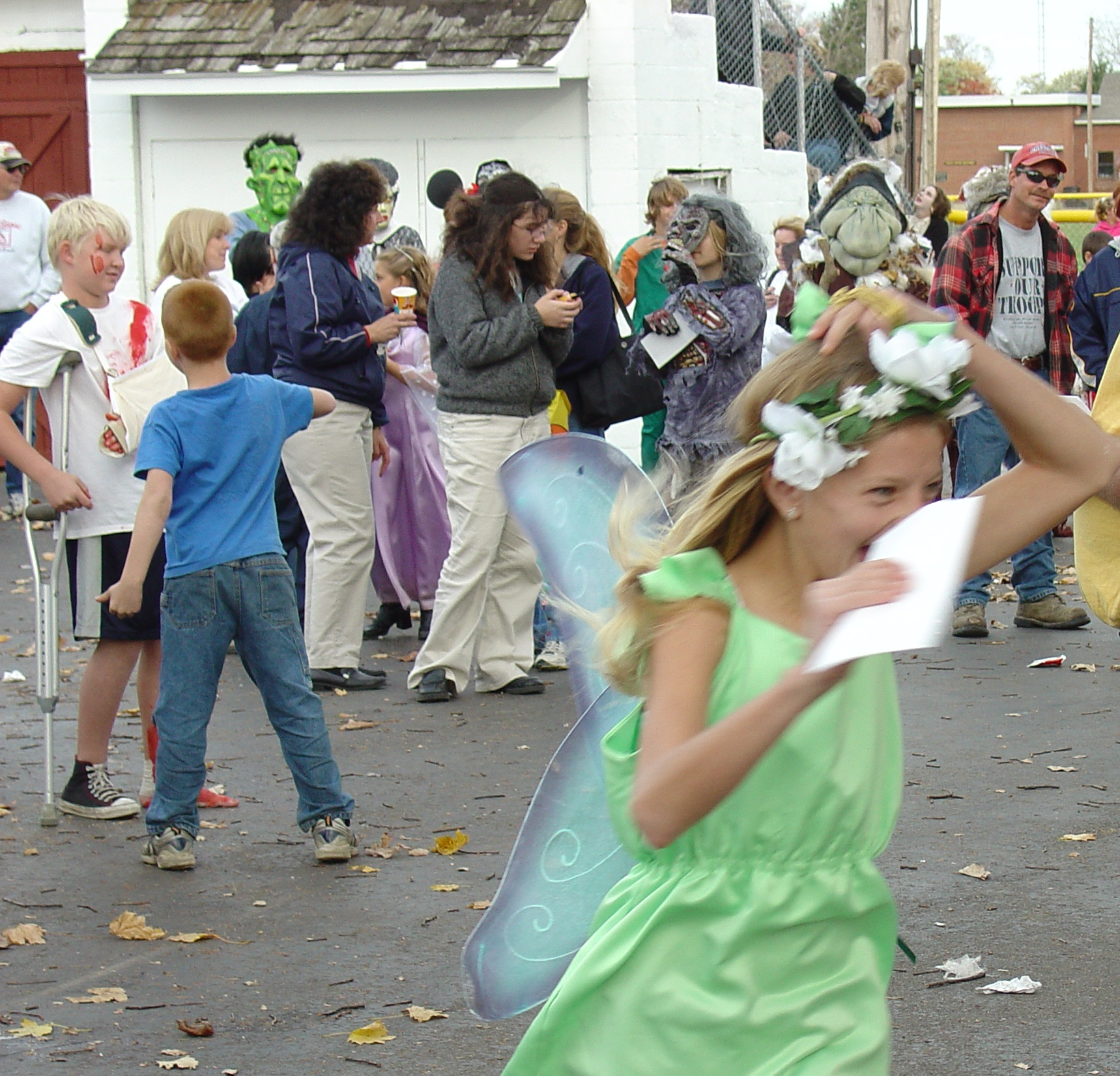 trick or treat parade from 2004 19
